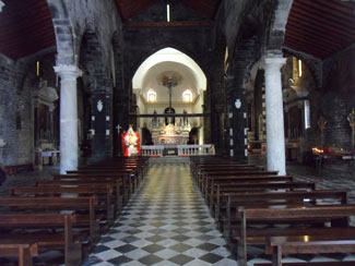 Portovenere, Church of San Lorenzo - Inside view<br>4320x3240, 1.56 MB