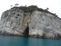 Palmaria Island - The caves of the island<br>4320x3240, 1.59 MB