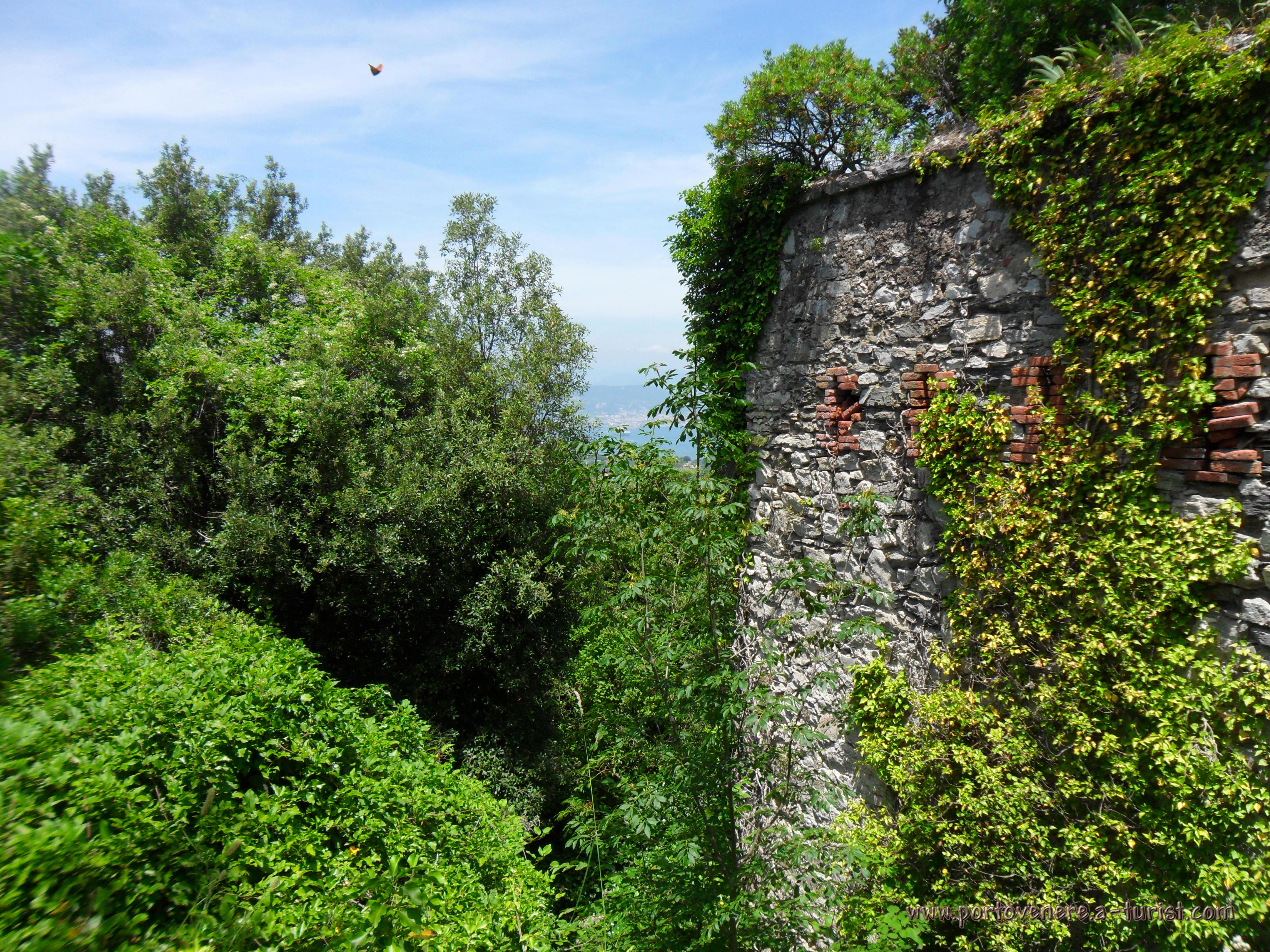 Insel Palmaria - Forte Cavour<br>4320x3240, 2.83 MB