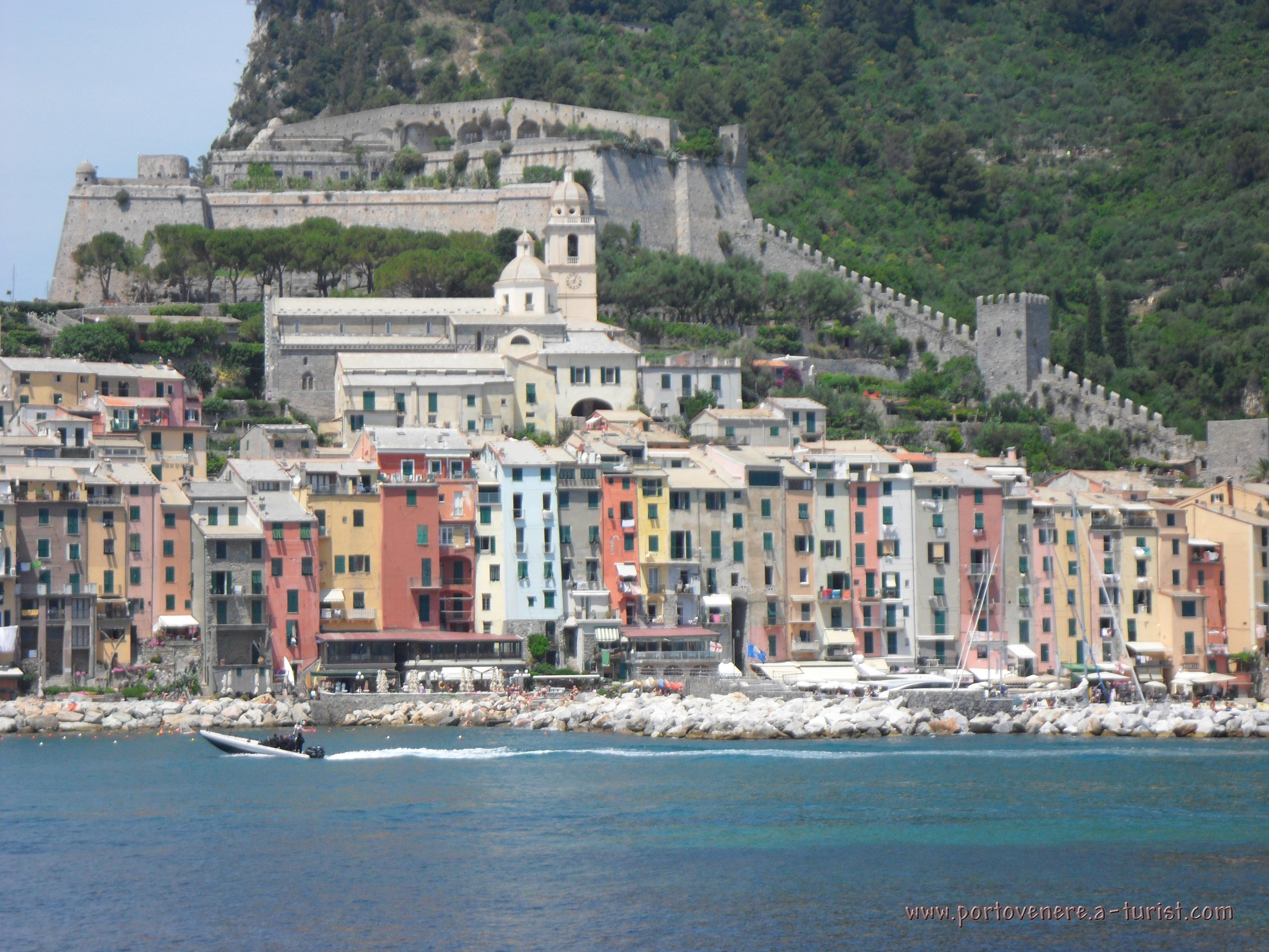 Portovenere - Panoramic view from the island of Palmaria<br>4320x3240, 1.82 MB