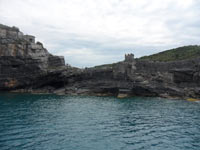 Portovenere - The descent to the cave Byron<br>