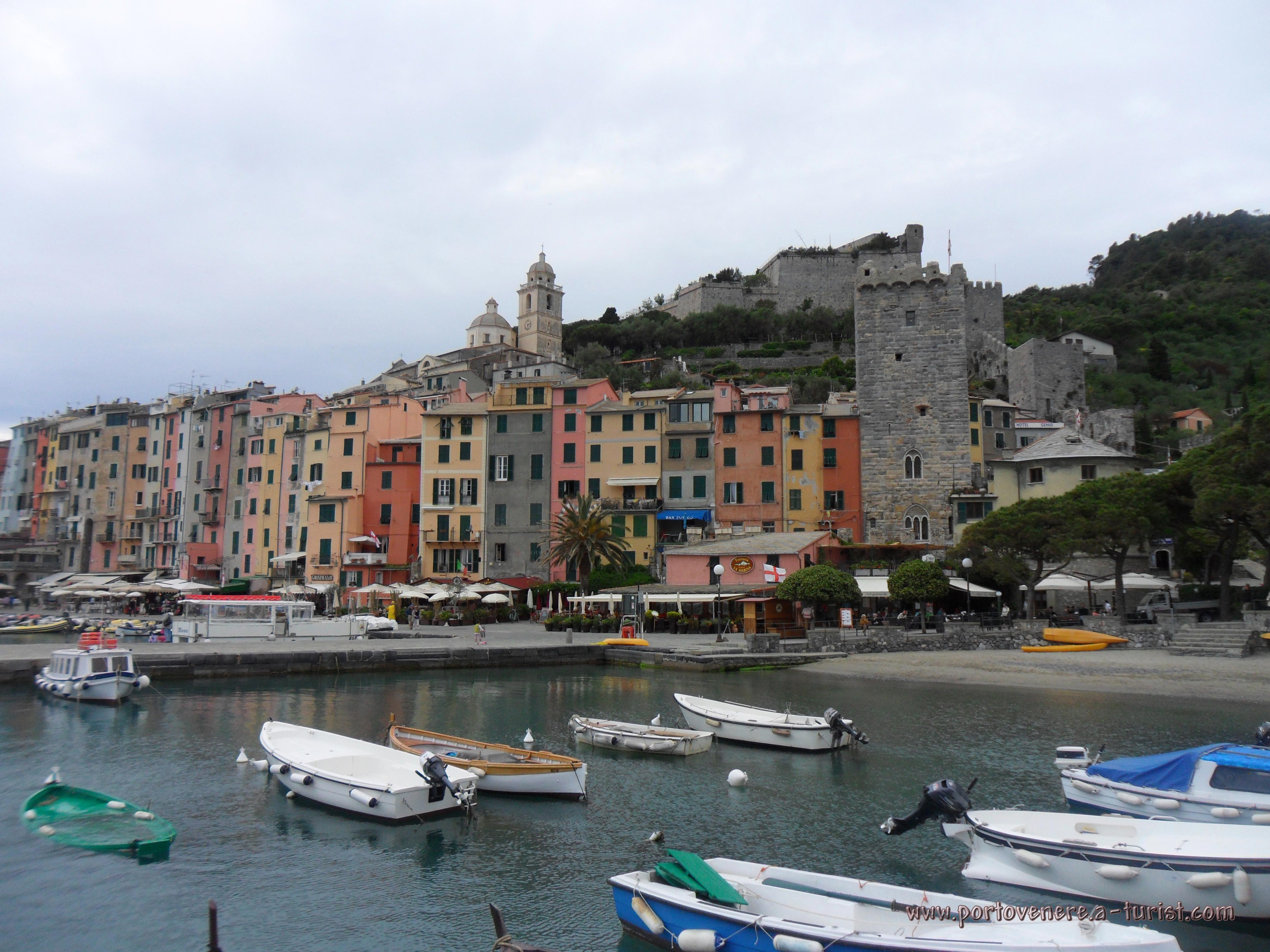 Portovenere - View of the town and castle Doria<br>4320x3240, 1.39 MB