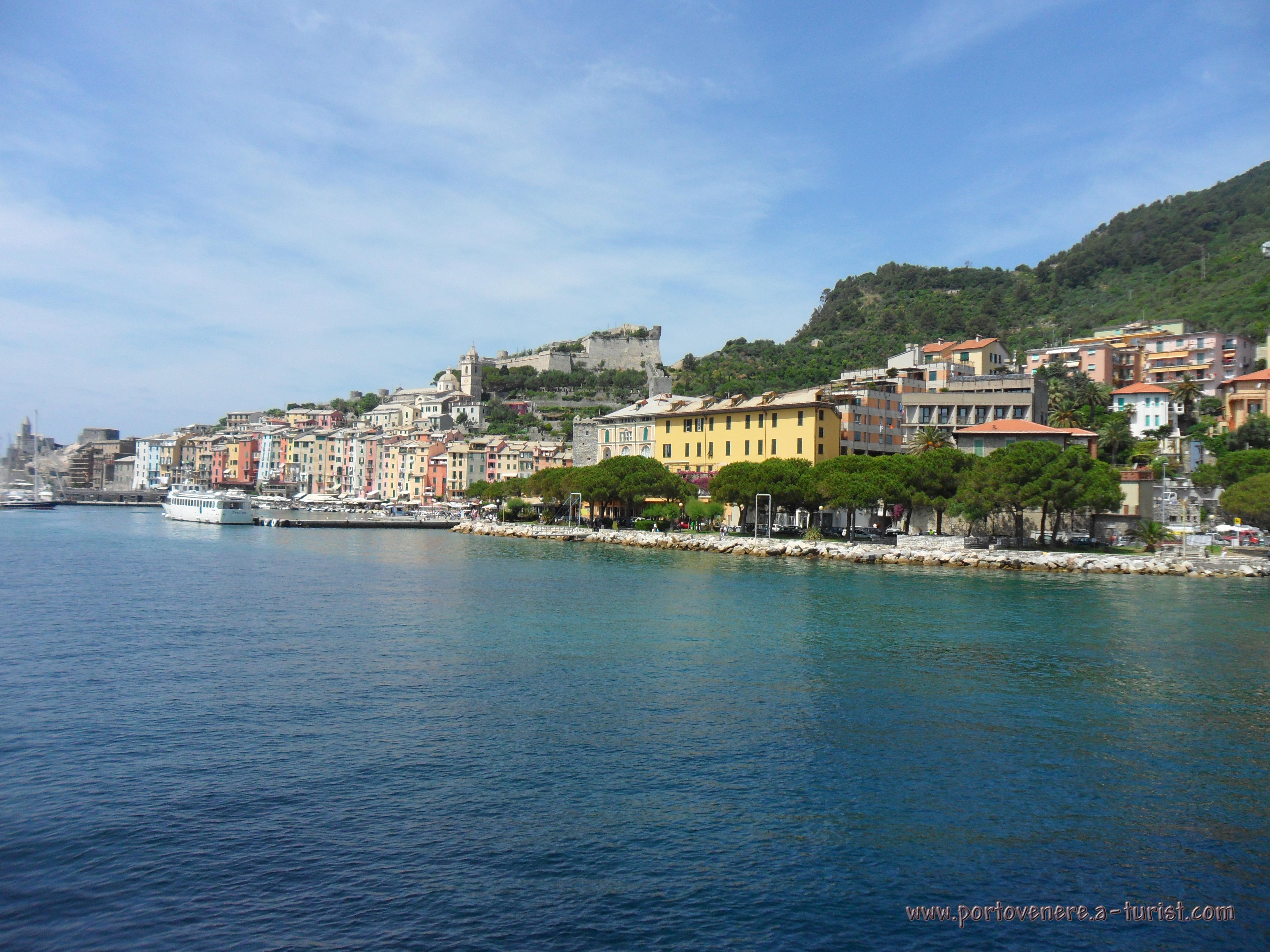 Portovenere - Arriving to the city from La Spezia<br>4320x3240, 1.66 MB