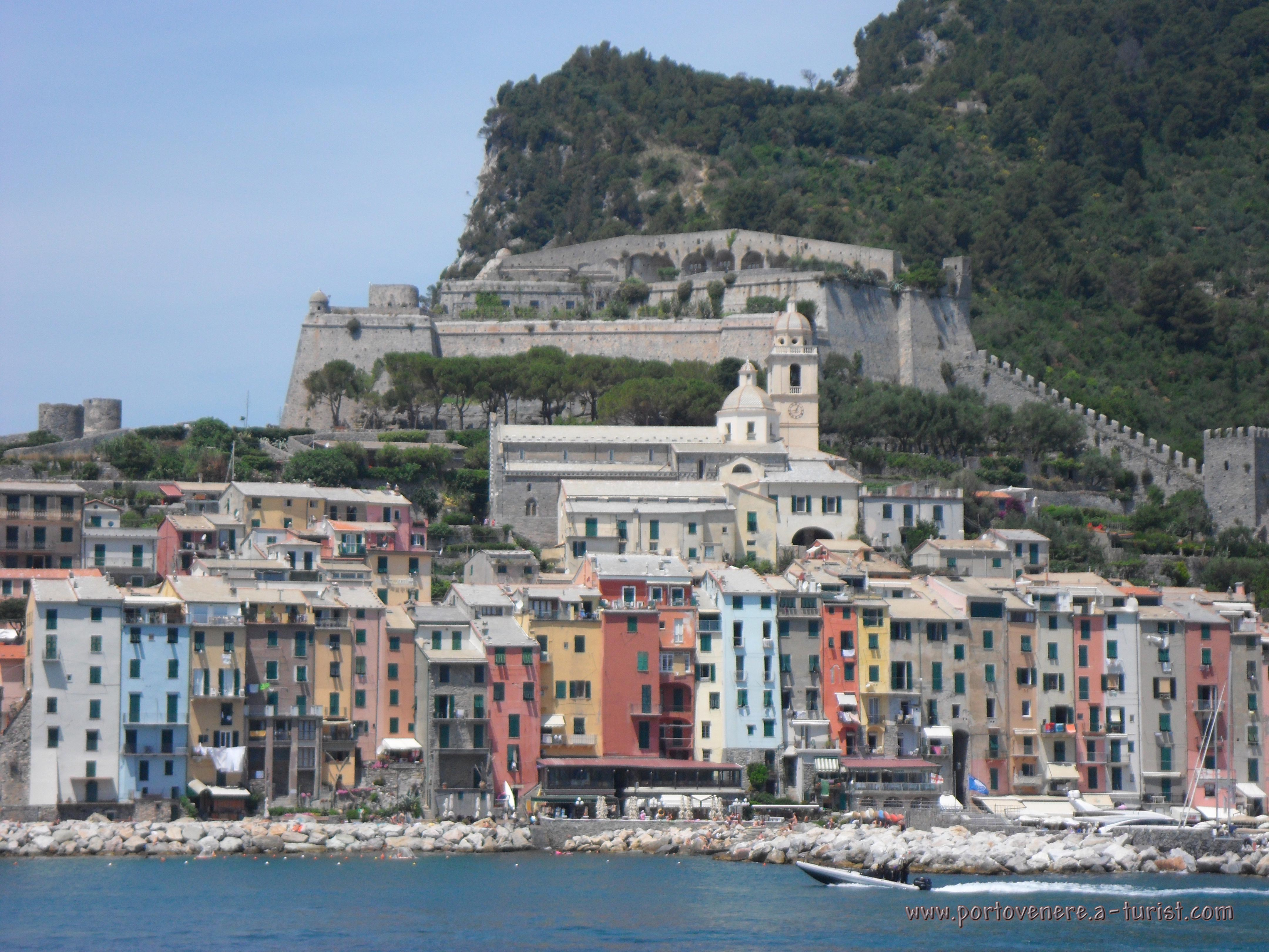 Portovenere - Panoramic view from the island of Palmaria<br>4320x3240, 1.58 MB